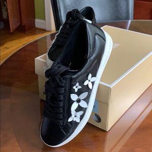 MK Leather Lola Sneaker Sz 6